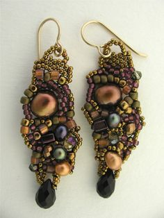Bead Weave earrings bronze/black onyx/gold toned pearls