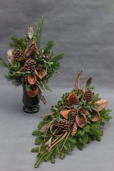 me ~ Christmas Arrangements- Arranjos de natal Christmas Arrangements - Christmas Flower Arrangements, Funeral Flower Arrangements, Funeral Flowers, Christmas Centerpieces, Floral Arrangements, Christmas Decorations, Christmas Urns, Christmas Flowers, Simple Christmas