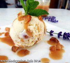 Macadamia Eiscreme mit Salzkaramellsauce