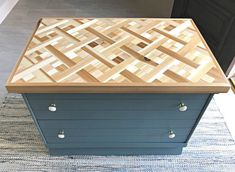 Here's how I built a beautiful DIY Wood Mosaic Table Top with low cost Cedar from my local big box store. Easy to follow how to video and build tips. DIY Geometric Wood Art idea. Easy Woodworking Projects, Wood Projects, Woodworking Plans, Diy Furniture Plans, Furniture Makeover, Scrap Wood Art, Wood Mosaic, Box Store, Remodeling