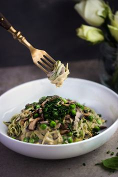 Courgetti Carbonara with Cashew Cheese - Madeleine Shaw