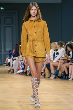 A look from the Chloé Spring 2015 RTW collection.
