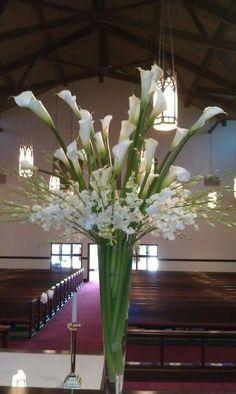 Enorme florero con alcatraces ☺