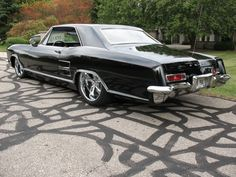 1963 Buick Riviera Pictures: See 54 pics for 1963 Buick Riviera. Browse interior and exterior photos for 1963 Buick Riviera. Rat Rods, Vintage Cars, Antique Cars, 1965 Buick Riviera, Super Pictures, Automobile, Buick Envision, Buick Cars, Buick Gmc