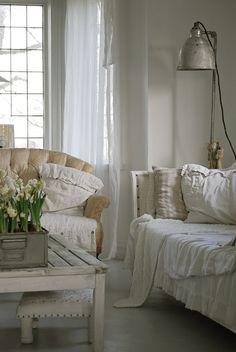 lovely #shabby #white #livingroom