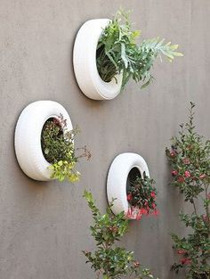 Recycle your old types for a trendy new wall planter! – The Gardener Recycle your old types for a trendy new wall planter! Recycle your old types for a trendy new wall planter! Tire Garden, Garden Art, Garden Design, Painted Tires, Tire Planters, Decoration Plante, Walled Garden, Old Tires, Plantation