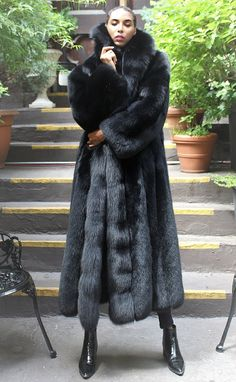 Black Fox Coat Full Length 77287 – Most Beautiful Fur Models Long Fur Coat, Black Faux Fur Coat, Fur Coat Outfit, Fox Coat, Fur Fashion, Style Fashion, Coats For Women, Mantel, Outfits