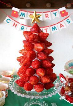 イチゴのクリスマスツリー イチゴツリー ストロベリーツリー クリスマスパーティー料理 キッズパーティー演出