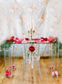 romantic red wedding ideas #weddingreception #artdeco #weddingchicks http://www.weddingchicks.com/2014/03/10/art-deco-wedding-ideas/