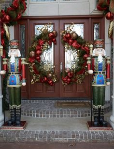 Double door wreath solution