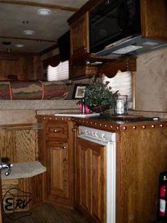 Living Quarter Horse Trailer - 2012 Platinum Coach 3 Horse Slant Load - 9' Outlaw Conversion Living Quarters