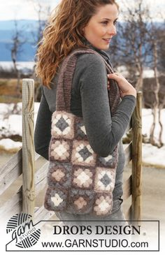 "Crochet and felted DROPS bag in ""Eskimo"" with square flower pattern. ~ DROPS Design"
