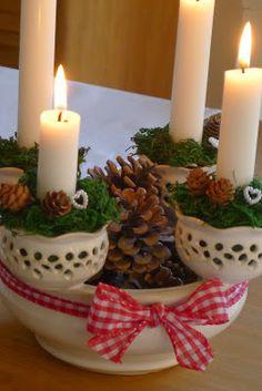 Ze života jedné hrnčířky....: Kousek vánoc od nás.. Christmas Bowl, Ceramic Planters, Candlesticks, Pillar Candles, Terracotta, Candle Holders, Advent Wreaths, Pottery, Ceramics