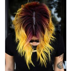 I hate yellow yellow hair but i have to admit this ones pretty cool. - I hate yellow yellow hair but i have to admit this ones pretty cool. Pensez à l. Ombre Hair Color, Cool Hair Color, Yellow Hair Color, Creative Hair Color, Grunge Hair, Trendy Hairstyles, Hair Trends, Hair Goals, New Hair