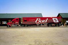 Dale Earnhardt Jr. #8 Budweiser Hauler Nascar Trucks, Show Trucks, Big Rig Trucks, Nascar Racing, Racing Team, Auto Racing, Sprint Cars, Race Cars, Customised Trucks