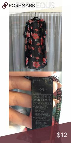 Forever 21 Kimono Beautiful Forever 21 kimono. Still in fantastic condition. Loved well, goes great with almost everything! I just never wear it anymore and figured I would share this awesome kimono with someone else!❤️❤️  Offers welcome! No Trades ✅Questions? Leave a comment at the bottom ❤️ Forever 21 Tops