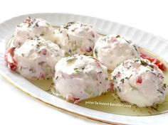 it is a delicious appetizer. malzemeler 1 su bardağı katı s… it is a delicious appetizer. Appetizer Salads, Yummy Appetizers, Appetizer Recipes, Salad Recipes, Turkish Salad, Happy Cook, Good Food, Yummy Food, Turkish Recipes