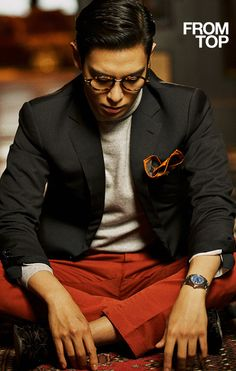And now, your daily T.O.P suit pic