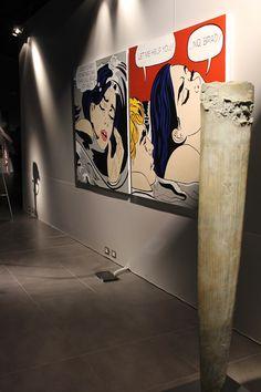 Yves Dana, Stele, 2010 (in primo piano) - Debora Hirsch, It's not Lichtenstein, 2010 (in secondo piano) Più Forte del Vento http://www.musapietrasanta.it/content.php?menu=eventi&nid=72 Courtesy Stefano De Franceschi