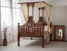 Cream canopy bed drapes for cozy bedroom decoration ideas Indian Furniture, Bed Furniture, Furniture Ideas, Interior Exterior, Home Interior, Interior Designing, Canopy Bed Drapes, India Decor, Four Poster Bed