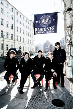 I'm in love with art and music. Arctic Monkeys and the Rolling Stones are my favourites. Sympathy For The Devil, Arctic Monkeys, Ramones, Im In Love, Rolling Stones, Museum, Image, Photos, The Rolling Stones