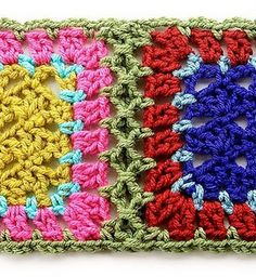 Crochet Square Patterns Fancy way to join crochet squares. - Choose your favorite granny square joining method to join your granny square projects. 12 ways to join granny squares, 8 basic joints and 4 fancy joints. Joining Crochet Squares, Point Granny Au Crochet, Granny Square Häkelanleitung, Crochet Motifs, Granny Square Crochet Pattern, Crochet Blocks, Crochet Borders, Crochet Afghans, Crochet Stitches