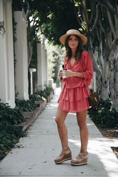 LOST IN LA - Lovely Pepa by Alexandra. Red ruflle dress+beige wedges+brown fringed shoulder bag+straw hat. Summer outfit 2016