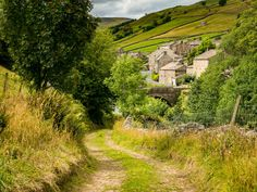Muker (Swaledale, Yorkshire, England) by Bob Radlinski cr. Cornwall England, Yorkshire England, Yorkshire Dales, Yorkshire Cottages, Travel English, Scotland Landscape, Skye Scotland, Highlands Scotland, Oxford England