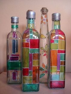 All of these grape bottle crafts offer a ton of methods to pull out and reinvented this everyday product, Would you like to decide to salvage your beer box or repurpose it? Painted Glass Bottles, Glass Bottle Crafts, Wine Bottle Art, Diy Bottle, Bottles And Jars, Glass Jars, Glass Containers, Decorated Wine Bottles, Beer Bottles