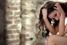 12 σημάδια ότι αδικείτε τον εαυτό σας «Αν συμπεριφερόσασταν στους φίλους σας με τον τρόπο που συμπεριφέρεστε στον εαυτό σας ορισμένες φορές, τότε μάλλον δεν θα είχατε αρκετούς από αυτούς…» Κάθε σχέση που έχουμε μπορεί να ειδωθεί ως μια αντανάκλαση της σχέσης που έχουμε με τον εαυτό μας και η δόμηση μιας σωστής σχέσης βασίζεται …