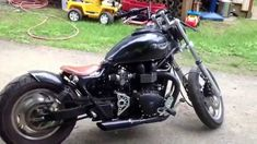 Triumph Speedmaster Bobber - YouTube