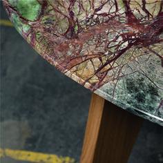 Naturstein und Holz - ein Tisch, der zwei ganz unterschiedliche Materialien vereint. Die 2cm dicke Natursteinplatte erhält durch die sich verjüngende Kante eine gewisse Leichtigkeit und scheint fast zu schweben. Da es sich jeweils um natürliche Produkte handelt, ist jeder Tisch ein Unikat und hat eine ganz eigene Optik. Kante, Levitate, Natural Stones, Products, Table, Timber Wood