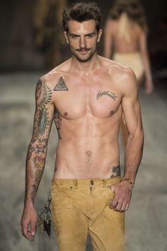 rafael-lazzini-nude-ass