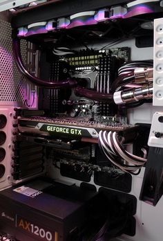 Very nice, clean case. I think it could be better if as much effort we're directed to the cables. Still a beautiful job.