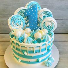 111 отметок «Нравится», 1 комментариев — Татьяна Рукавишникова (@zmeyka86) в Instagram: «Тортик на годовасие ) внутри вкуснейший морковный! За пряничек спасибо @ginger_cake72 #instacake…» Frozen Birthday Cake, Baby Birthday Cakes, Birthday Parties, Cake Decorating Techniques, Cake Decorating Tips, Choc Drip Cake, Christmas Cake Pops, Candy Cakes, Snowman Cake