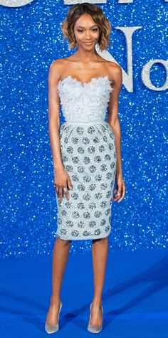 Jourdan Dunn struck a pose at the Zoolander 2 premiere in a pearl-and-silver iridescent silk organza Ralph & Russo bustier dress with geometric embellishment and petal applique. As for shoes, she stepped into a pair of gunmetal satin Ralph & Russo pumps.