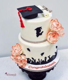 Résultats de recherche d'images pour « pinterest graduation cake »