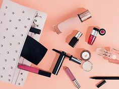Quick Fix Beauty Tools And Makeup Cosmetics That You Must Always Carry In Bag https://www.boldsky.com/beauty/make-up-tips/2017/quick-fix-beauty-tools-and-makeup-cosmetics-that-you-must-always-carry-in-bag-116155.html?utm_campaign=crowdfire&utm_content=crowdfire&utm_medium=social&utm_source=pinterest