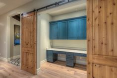 Traditional home office with crown molding built in bookshelf flush - 1000 Images About Creative Home Offices On Pinterest