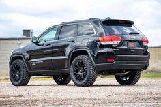 Give your Grand Cherokee increased ride height and aggressive good looks with Rough Country's Suspension Lift Kit.This easy-to-install kit features front and rear spacers to lift and level your vehicle for an improved look and enough rid. Jeep Grand Cherokee Laredo, Grand Cherokee Lifted, Grand Cherokee Trailhawk, Jeep Grand Cherokee Limited, Jeep Srt8, Jeep Wrangler Lifted, Jeep Wranglers, Lifted Jeeps, Lifted Ford