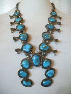 Vintage NAVAJO Deep Blue Pilot Mountain TURQUOISE & Sterling Silver Squash Blossom NECKLACE