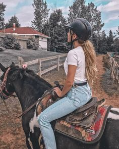 Friday fun 🍂 What is your favorite fall activity? Autumn Activities, Good Friday, Riding Helmets, Cowboy Hats, We Heart It, Your Favorite, Anna, Fall, Photography