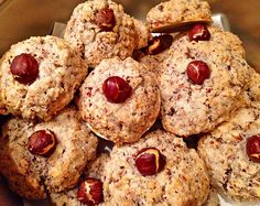 Nussmakronen Nut macaroons, a great recipe from the category biscuits & cookies. Biscuit Nutella, Nutella Muffins, Nutella Cookies, Cinnamon Cookies, Vanilla Cookies, Macaroons, Easy Christmas Treats, Christmas Baking, Christmas Cookies