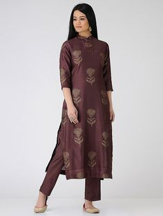 Shipping Wine To Indiana Info: 4578886173 Mehndi, Henna, Indian Gowns, Indian Outfits, Indian Wear, Kurta Designs Women, Blouse Designs, Kurti Styles, Indian Designer Suits