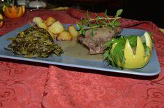 #Guancetta di #maiale cotto a bassa temperatura al sapore di #santoreggia accompagnato da  #Patate al forno e misto di #erbette stufate