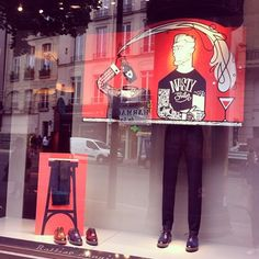 Awesome (as usual...) Berluti windows for Father's day, here is the uninhibited hipster @berluti #window #vitrine #illustrations #colors #fathersday #fetedesperes #men #fashion #luxury #accessories #uninhibitedhipster #visualmerchandising #vm #berluti #paris #paris6 #ruedesevres #saintgermaindespres #june15