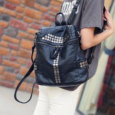 High Quality Women Backpacks Lady Girls Travel Blosas Women Bags Washed Leather Backpacks Rivet Backpacks Student School Bag Hot