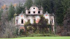 Výsledok vyhľadávania obrázkov pre dopyt Villa De Vecchi - La Casa Rossa, Cortenova