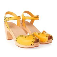 Swedish Hasbeens Sandales  - Swedish Hasbeens Heart Sandal Sandales  - Yellow