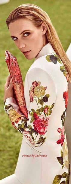 Jadranka & Beautiful world Floral Fashion, Fashion Colours, Fashion Design, Happy Spring, Floral Style, Office Wear, Girl Boss, Beautiful World, Fashion Beauty